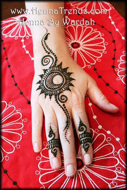 Henna by Wardah Henna/Mehndi Artist in San Diego, California www.HennaTrendz.com