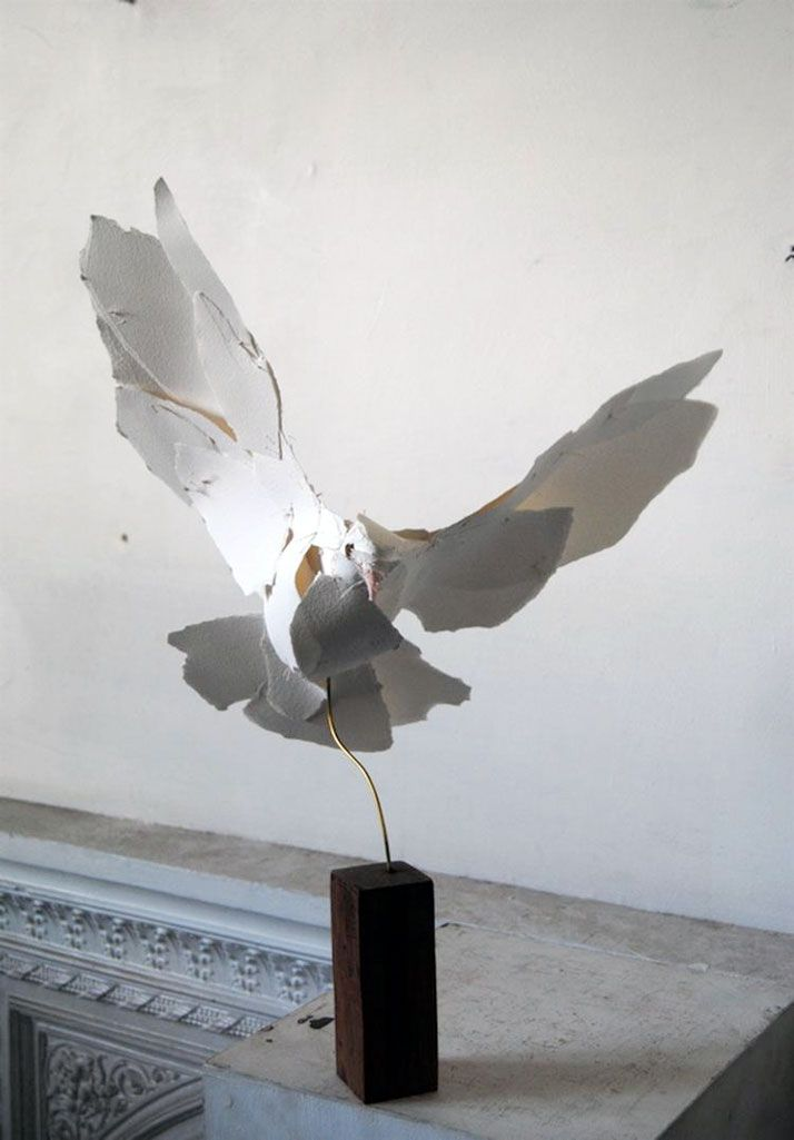 how to make a sculpture out of paper
