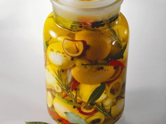 Eingelegte Soleier ist ein Rezept mit frischen Zutaten aus der Kategorie Eier. Probieren Sie dieses und weitere Rezepte von EAT SMARTER!
