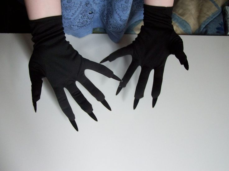 Cat Claw Gloves ∙ Creation by Laura on Cut Out + Keep