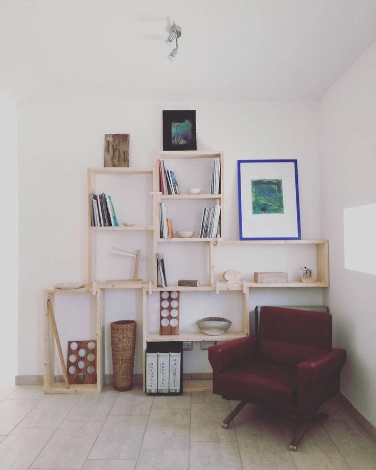Libreria modulare #laboratorio44 #handmade #interior #office #woodworker #architecture #archilovers #interiorinspiration #instagram #reuse #recycle #wood #madeinitaly #madeira #designinspiration #design #woodbox
