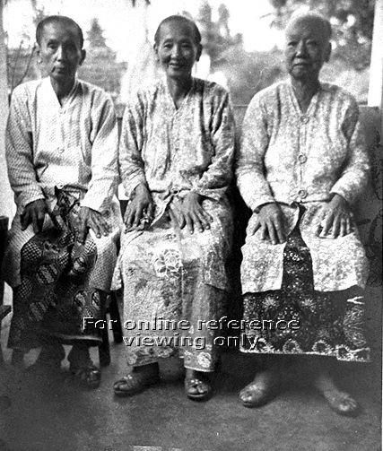 GROUP PHOTOGRAPH OF THREE SISTERS IN BABA ATTIRE - 1950