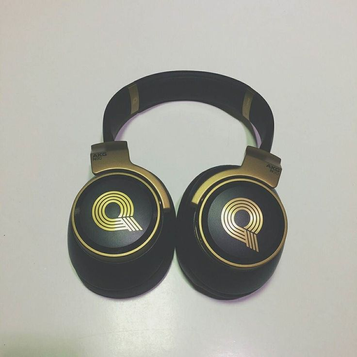 De AKG N90Q voor wie een beetje meer geld over heeft voor een hoofdtelefoon. #geekstercollection  #akg #overearheadphones #tech #audiophile #techphotography