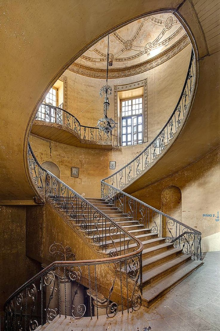 Once grand staircase.