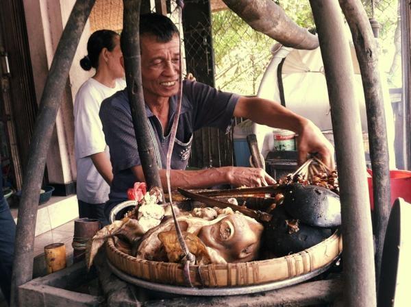 [KULINER] Yogya, dahar siang di Sate Tongseng Petir, Pak Nano. Monggo :) /via @dody_wip