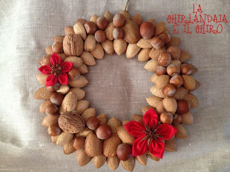 Christmas wreaths whit almonds, hazelnuts and walnuts