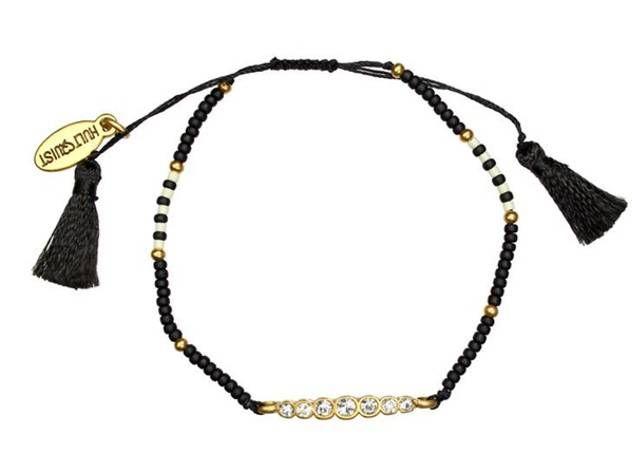 Verstelbare armband met kraaltjes en zwarte kwastjes van Hultquist Copenhagen - www.legoutdescouleurs.be