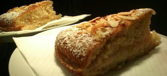 JeanneDôme: Chez Jeanne- Αφράτο κέικ με πουρέ μήλου και καβουρδισμένα αμύγδαλα