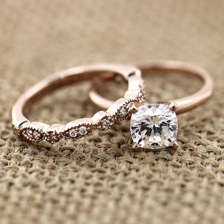 Look ravishing in this conflict-free rose gold wedding set!