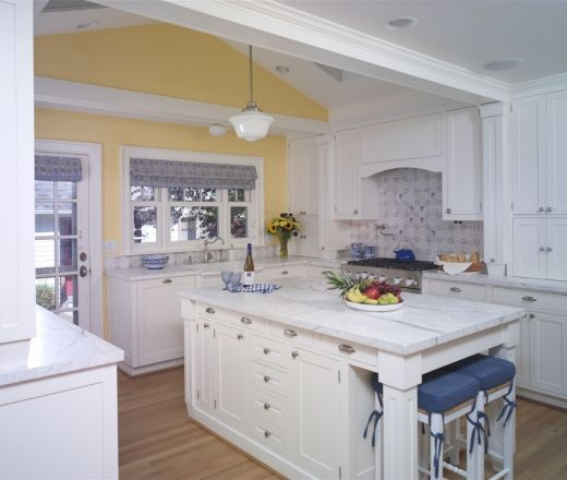 Kitchen Cabinets In Seattle: 1000+ Ideas About Pale Yellow Kitchens On Pinterest
