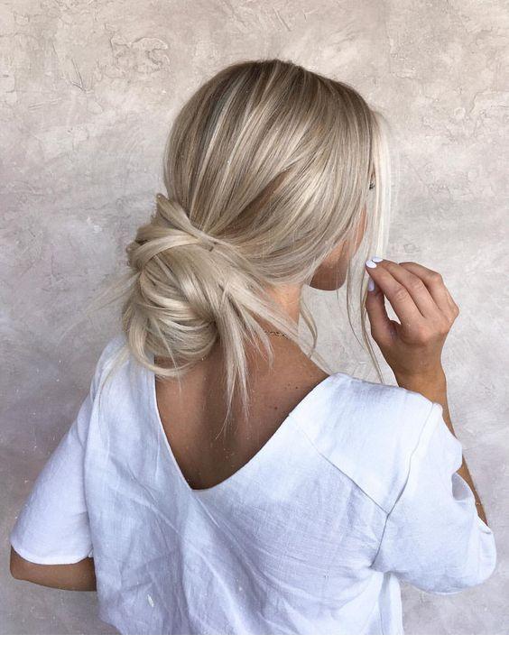 Silber Esche schönes Haaron | Inspirierende Damen – #Asche # Ladies #Haarton #in …   – Frisuren einfache