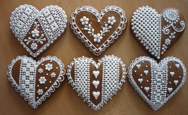 Beautiful cookies, lace, gingerbread, hearts all inspiring the Sweet Black Heart collection