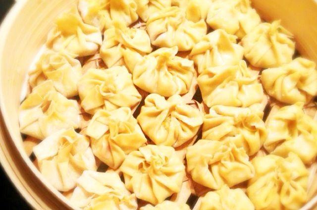 Recept voor gestoomde dim sum met garnalen.