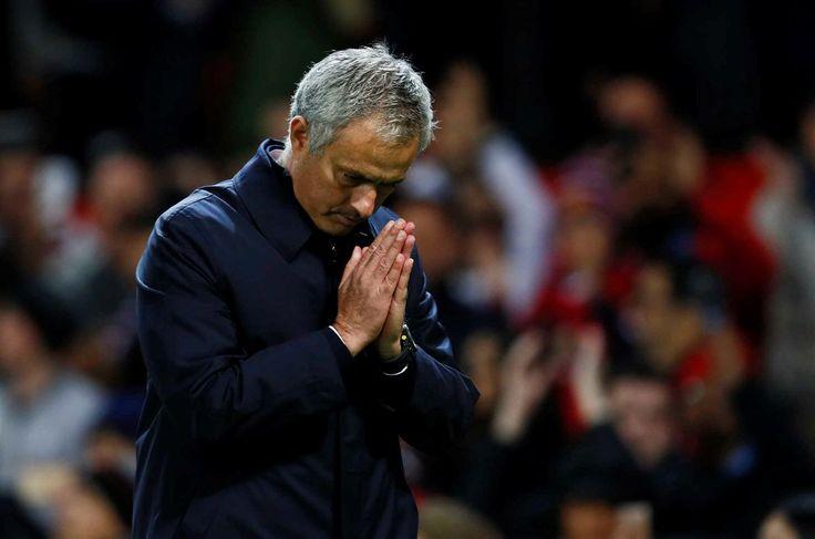 Apesar da vitória frente ao Manchester City, esta quarta-feira, para a Taça da Liga (1-0), o treinador português fez questão de pedir desculpa em Old Trafford, casa do Manchester United, pela derrota sofrida no fim de semana no terreno do Chelsea (4-0).