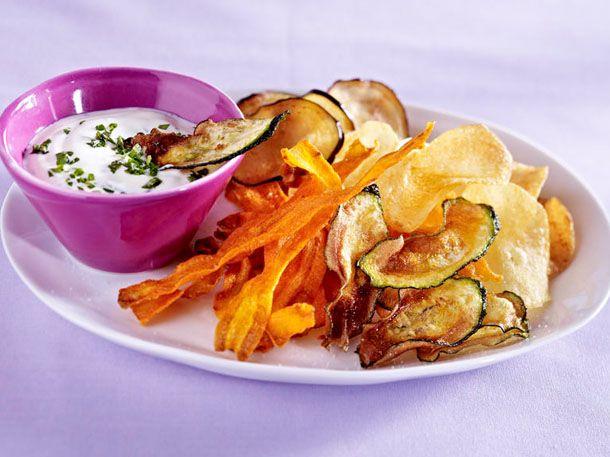 Wir lieben es, leckere Chips zu knabbern. Doch leider enthalten herkömmliche Kartoffelchips viel Fett, so dass eine Tüte am Abend unser
