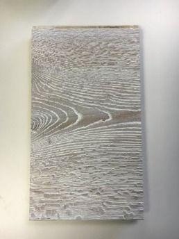 Autentico Grandiose hårdvaxolja lämnar en högpresterande skyddande beläggning på obehandlade träytor (såsom möbler och golv) och ytor målade med Autentico Vintage.  Naturliga oljor och vaxer skyddar ytan från fläckar, fukt, smuts och dagligt bruksslitage samtidigt som ett naturligt utseende bibehålls.  Autentico Grandiose finns som ofärgad; Natural (naturligt neutral) och i åtta färgade varianter;Light Grey, Sand, Clay, White, Soft White, Creamy White, Grey, Smoked  Räcker till ca 15m²-20m²…