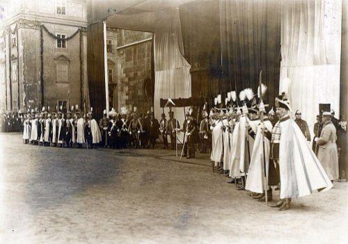 Kroning koning Karl en koningin Zita., Boedapest