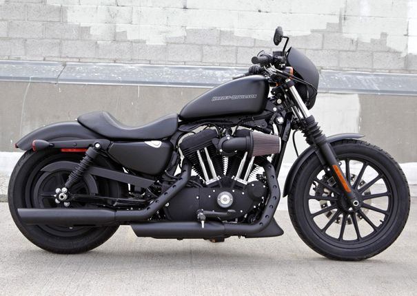 Harley Davidson Iron 883 Dark Custom