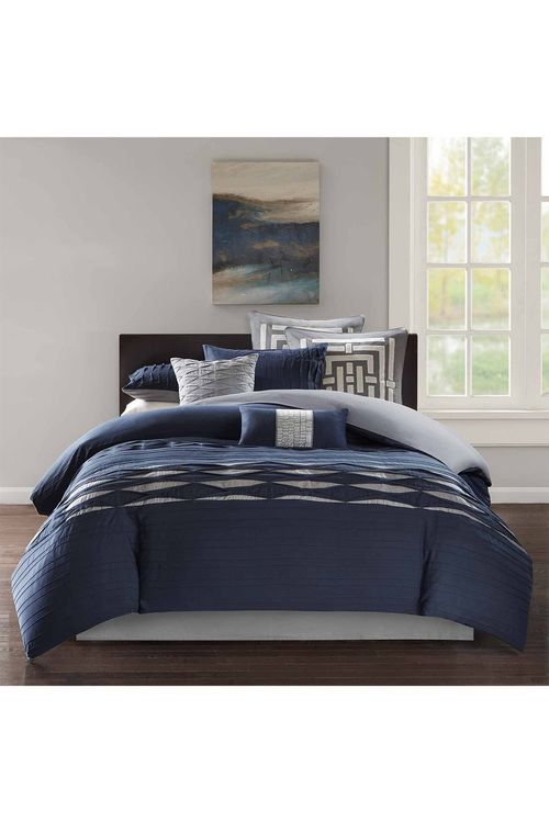 """<div id=""""Description_Description"""">Nara combines Asian inspired pattern embroidery with a modern color palette to create a contemporary N Natori bed.<br />Comforter and Sham Face: 250 SPI 100% cotton sateen pieced with pintuck / Comforter and Sham Back: 180-thread count 100% cotton solid / Filling: 100% polyester<br />Bedskirt- Drop: 180-thread count 100% cotton solid / Platform: 80% polyester, 20% cotton<ul><li><em>Re..."""