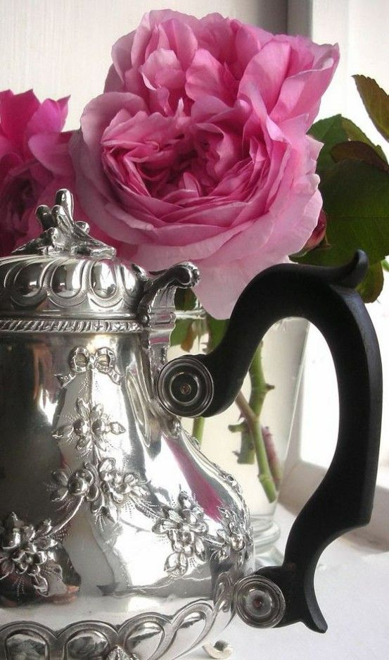 Gorgeous - silver teapot and roses
