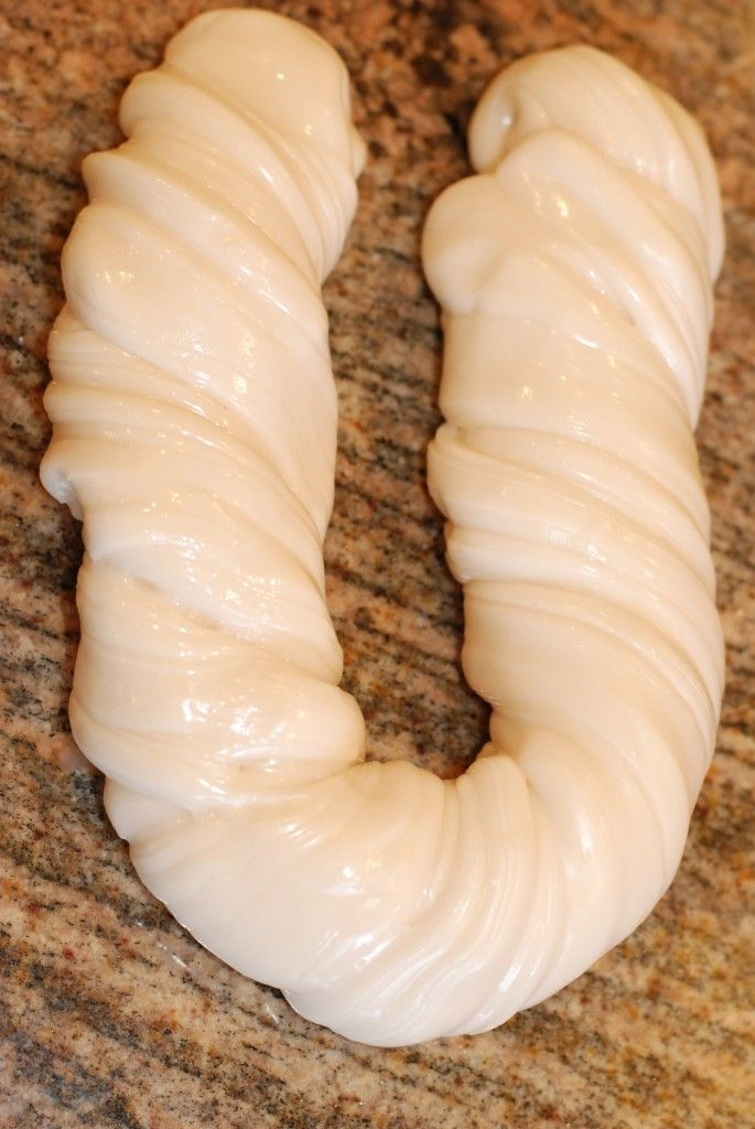 How to Make Taffy (apparently). I posted this because it looks like a small intestine and it made me laugh. hahaha