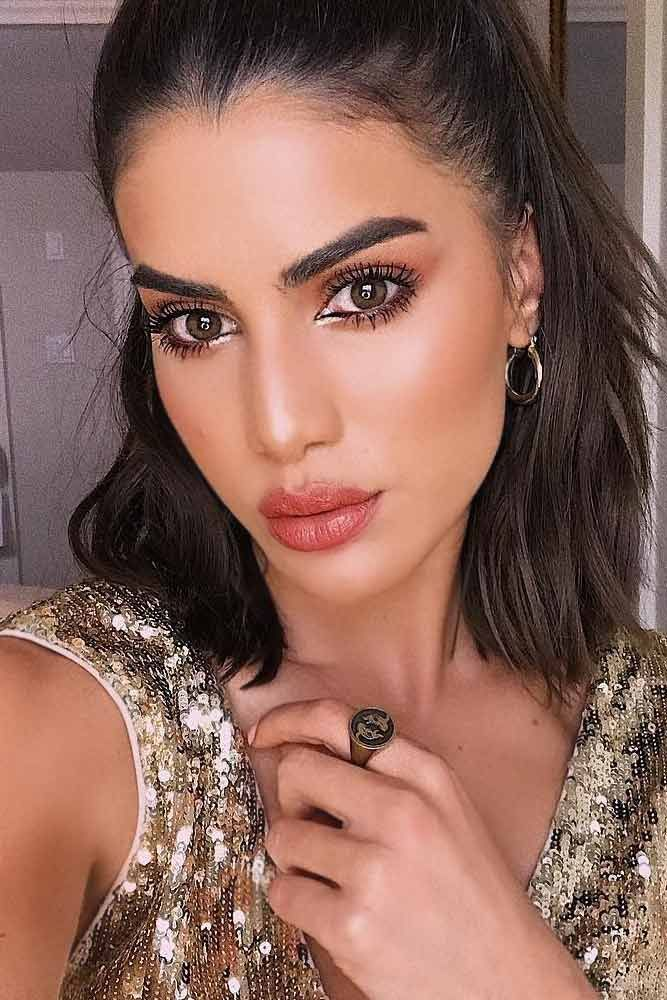 Olive Skin Tone Which Makeup Shades To Look For Glaminati Com Medium Skin Tone Makeup Bronzed Skin Tone Olive Skin Tone Makeup