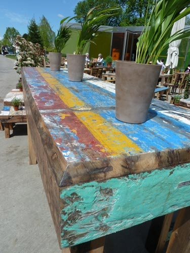 Restaurant Kiosk am See, Zurich; painted tables