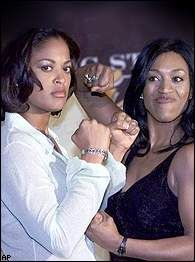 Laila Ali with Jacqui Frazier in Verona, New York, First Pay Per View Boxing Card to ever be headlined by women, on June 8, 2001 - Boxing news - BOXNEWS.com.ua