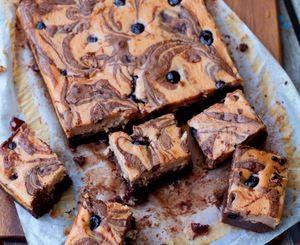 Amarena cheesecake brownies