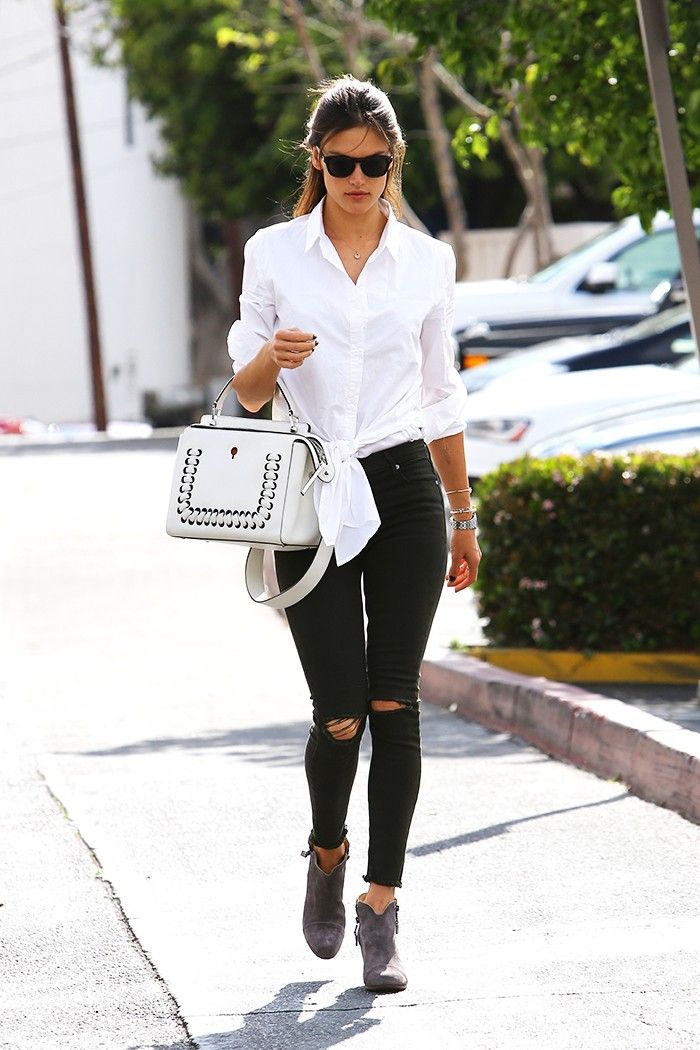 How to Wear Skinny Jeans When You're Not in Your 20s #breastyle #skinnyjeans #breaboutique www.breaboutique.com