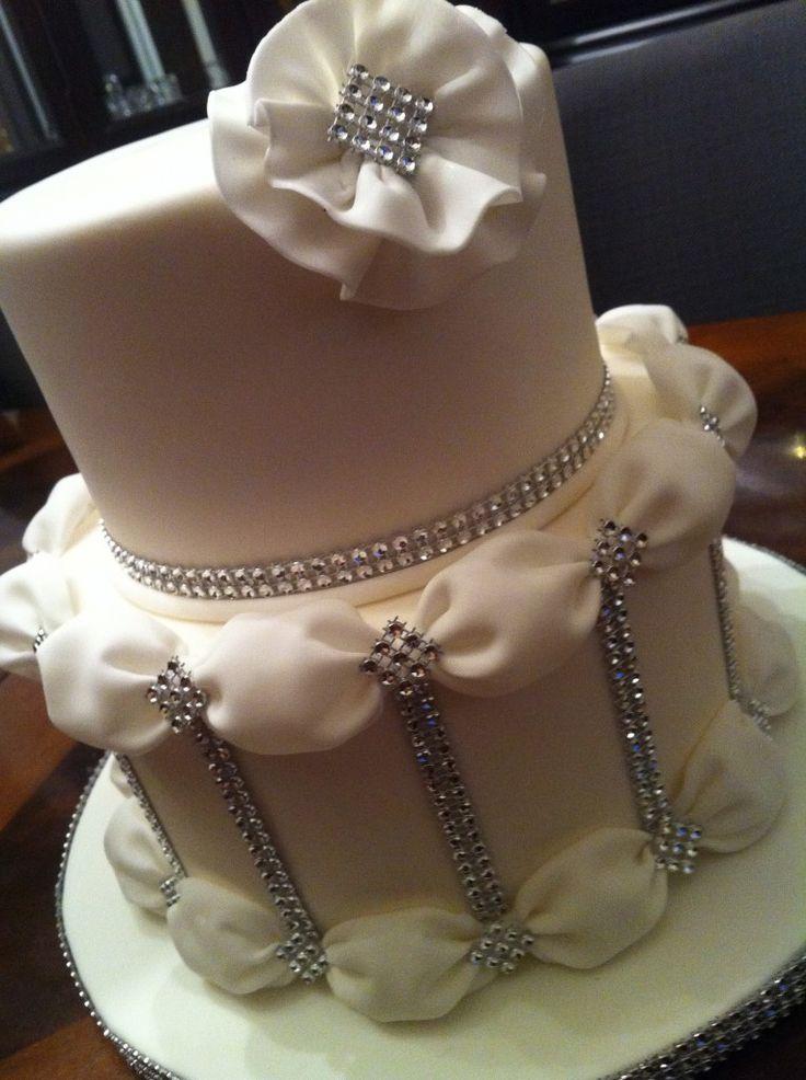 Beautiful and simple   wedding cake