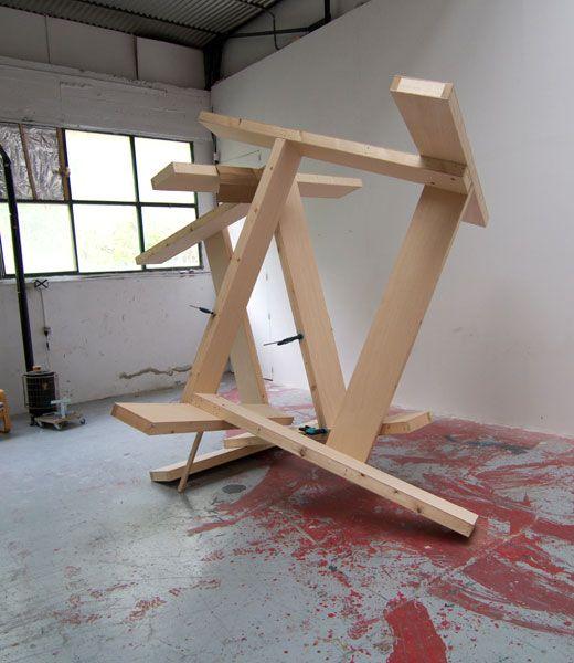 Manu Muniategiandikoetxea .- MM R 29, dg. Sculpture .- Wood, 300 x 300 x 300 cms, 2009