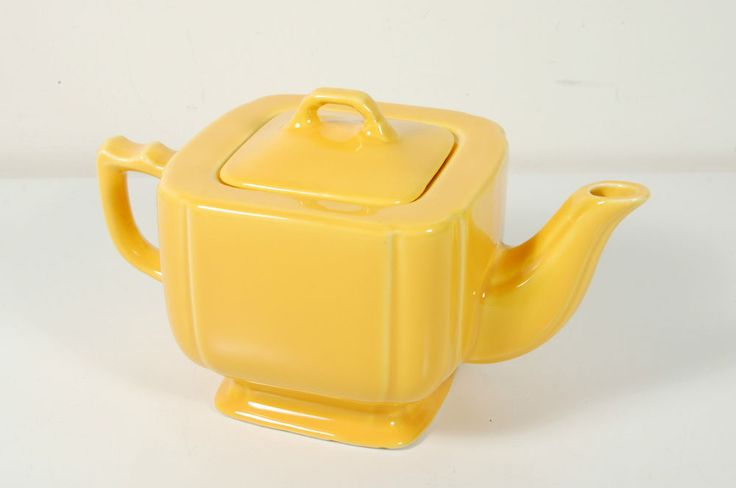 Riviera Teapot ~ Homer Laughlin