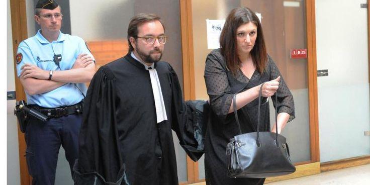 Le tribunal correctionnel de Paris, qui devait rendre sa décision jeudi 14 septembre, l'a repoussée d'une semaine, indique l'AFP qui cite une source judiciaire et l'avocat de Bernard Cazeneuve.Celui qui était alors ministre de l'Intérieur, ainsi que l'administration de la police nationale, avaient d