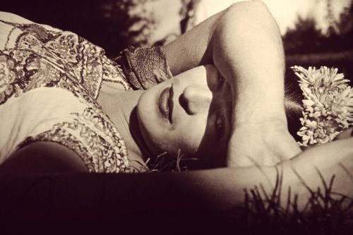 lauramcphee: Frida Kahlo (In the Sun), c1941 (Leo Matiz)