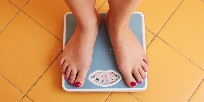 Большинство людей в наше время считает, что для похудения необходимо обязательно сидеть на диетах и заниматься спортом. А если килограммы никак не хотят покидать вас, то это значит, что либо диета неправильная, либо занятия недостаточно интенсивные. На самом деле худеть можно и без этого. Как? Расскажем в этой статье. Я ничего не имею против диет и спорта. Однако стоит помнить, …