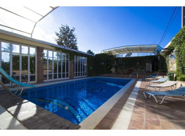 Maison a louer a barcelone belle maison situe pres de for Appartement avec piscine barcelone