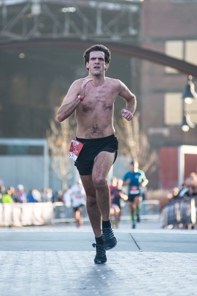 Top 10 Running Fashion Faux Pas - #5 Racing shirtless in a blizzard | Runner's World