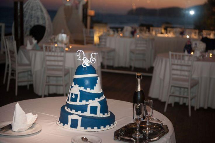 A true Santorini wedding cake!