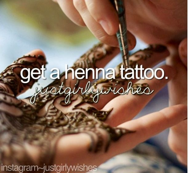 --> At a stall in the Byward Market in Ottawa, Ontario. During our annual summer mother-daughter trip, my mom and I both got henna tattoos. ~AD    #BucketList