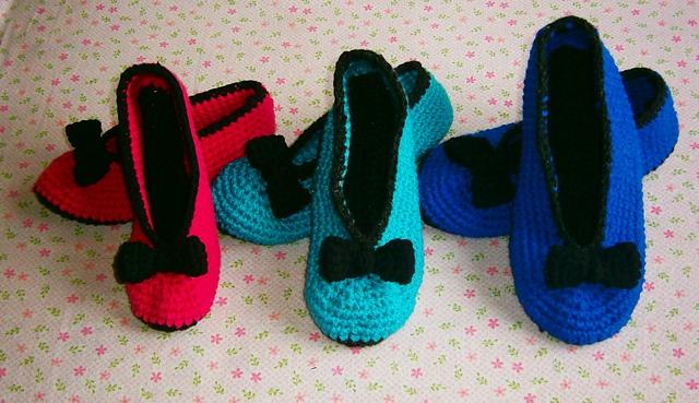 Ravelry: Crochet Slippers Pattern with ribbon - 3 Woman sizes pattern by Diana Ivanova