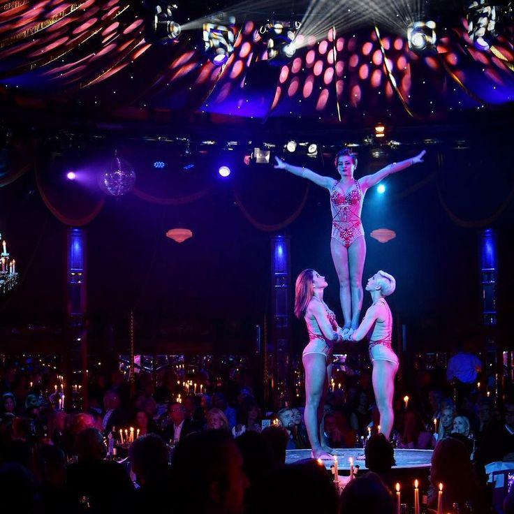 Tolles Programm und wunderbares Essen im @schuhbecksteatro #schuhbeck #teatro #schuhbecksteatro #premiere #opening #gourmet #revue #theater #show #cabaret #munich #münchen #riem #spiegelzelt