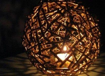 Sviečkové drevené tienidlo