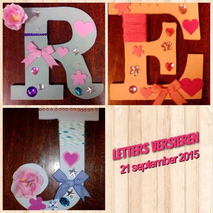 Houten letters versieren