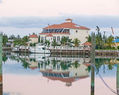 RCI - the largest timeshare vacation exchange network in the world. Grand Bahamas #2093