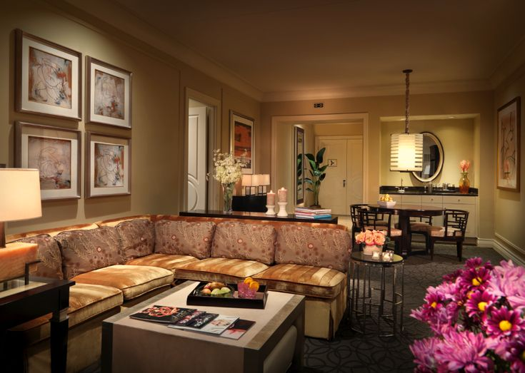 Two Bedroom Lago Suite At Palazzo 1 943 Square Feet Pretty Vegas Hotel Suites Pinterest