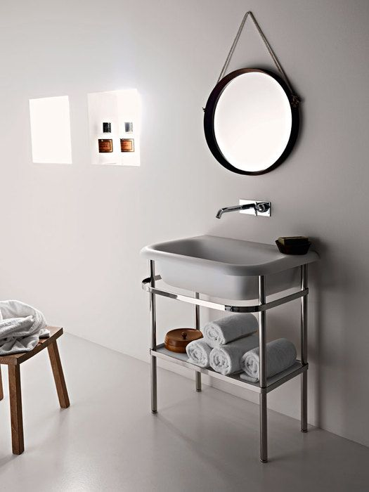 Ottocento washbasin with structure and Memory wall mounted tap.Weight 19 kg - 41 lb