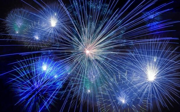 Dostupnye Predmety Pomogut Uznat Budushee V Kanun Novogo Goda Prostye Prazdnichnye Gadaniya New Year Pictures New Year Images Happy New Year Pictures