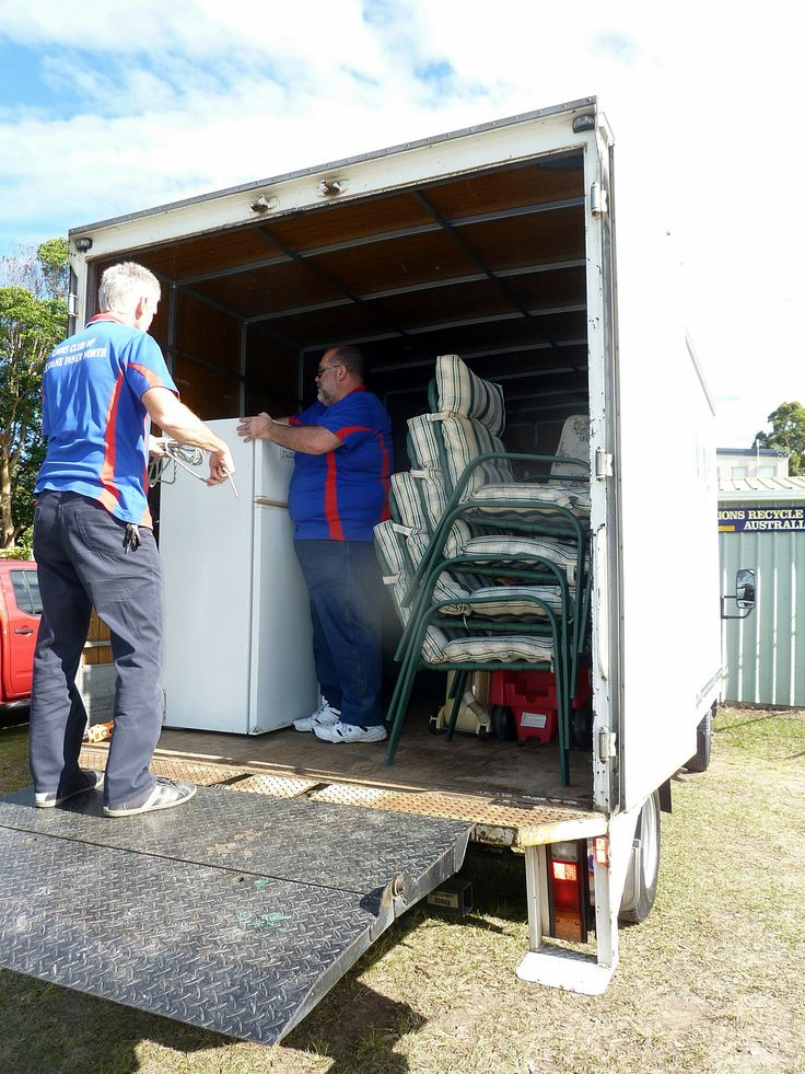The Lions Club of Brisbane Inner North hired a truck to take a range of second goods to the Lions Emergency Accommodation Centre on the Sunshine Coast, which provides short and longer term accommodation to victims of domestic violence. Photo by Richard Williams #lions #dv #support #housing #volunteer #donations #DoSomethingPhoto