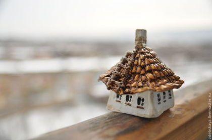 Домик Бабы Маньки - серый,белый,черный,зима,осень,дом,домик,сувенир,минискульптура